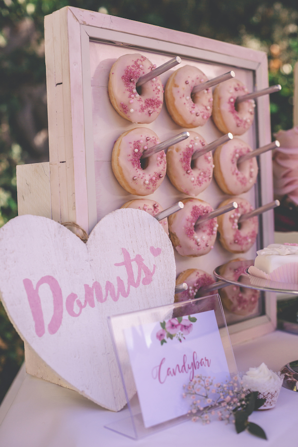Donut Wall in rosarot