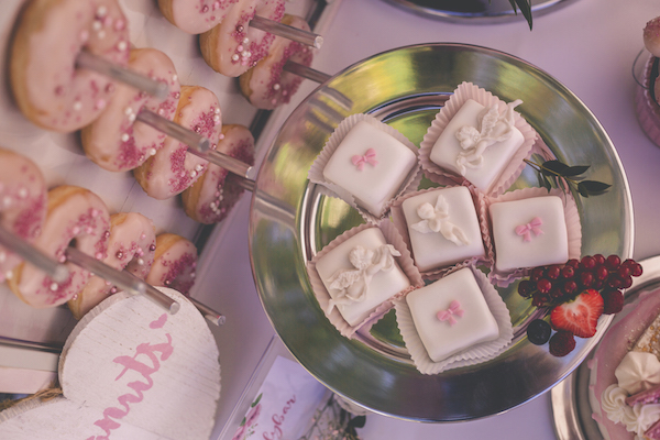 Petit Fours in rosarot