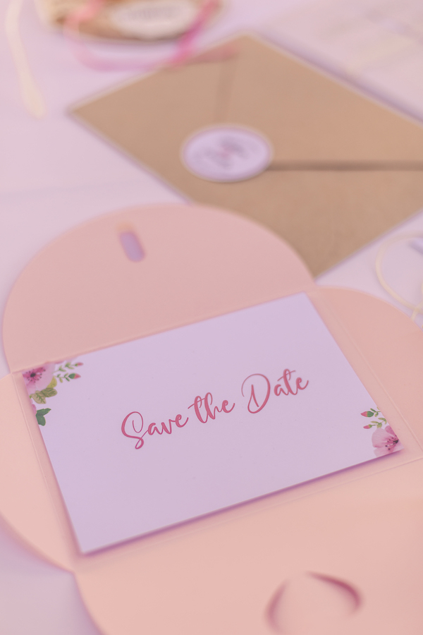 Rosefarbene Save the Date Karte