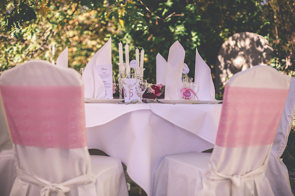 Tischpapeterie in rosarot