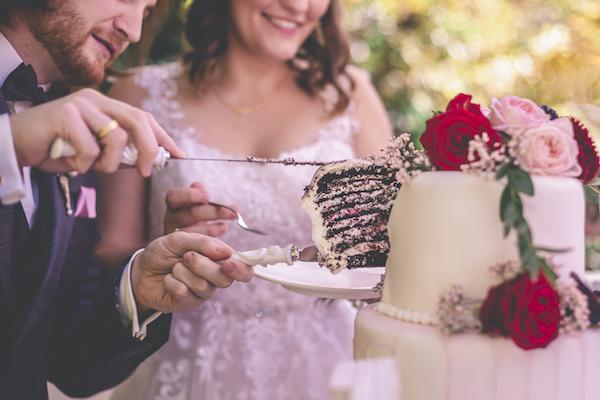 Tortenstück für das Brautpaar